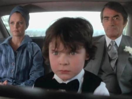 the-omen-classic-horror-movie-best-horror-movies-on-netflix-gregory-peck